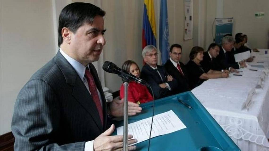 Ministro del interior de colombia renuncia pensando en las for Interior elecciones