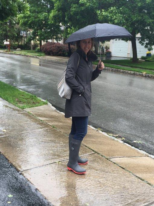 Rainy Day Puddle Splashing #ootd