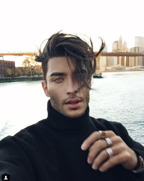 Throw back #nyc #tonimahfud #tbt #winter #selfie #hairstyle <br>http://pic.twitter.com/eese9lpvo9