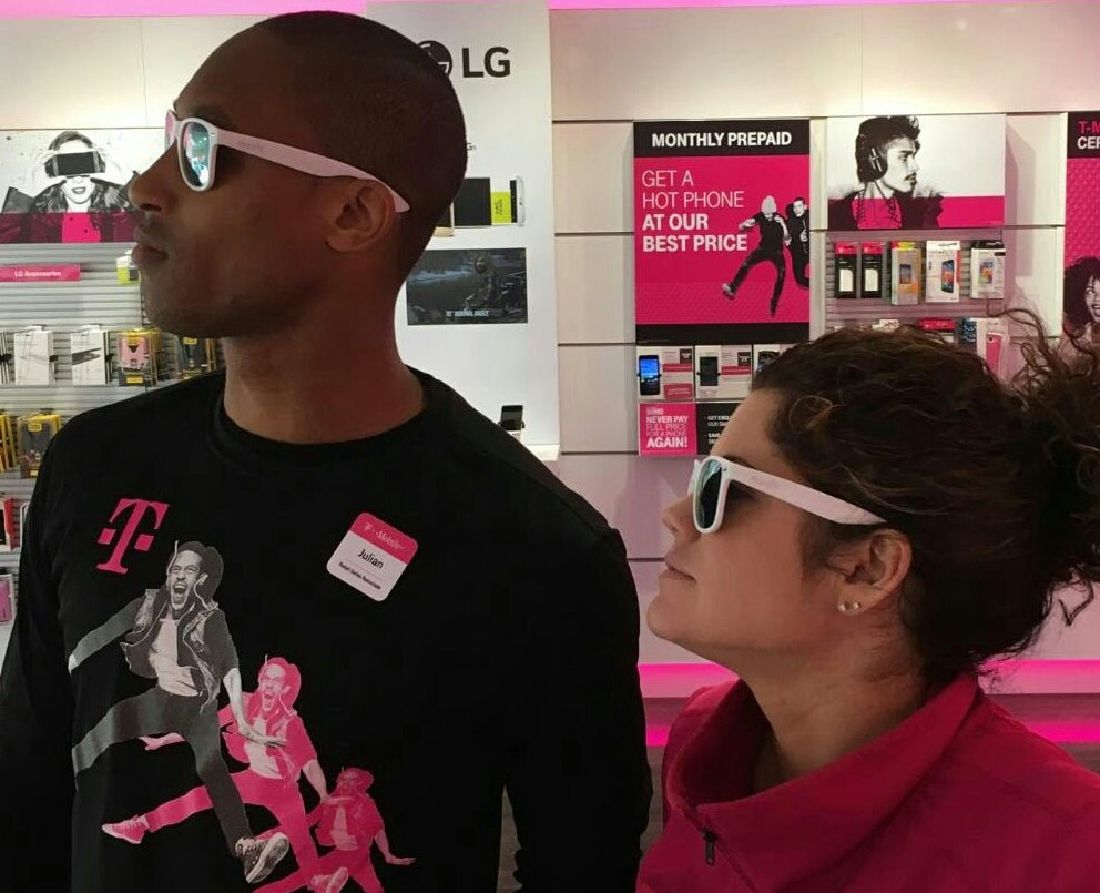 The future&#39;s so bright we gotta wear shades Check out #tmobile this weekend for awesome promos @dpike5 #ncredible #throwback @julianhicks<br>http://pic.twitter.com/hUmw8anZDJ