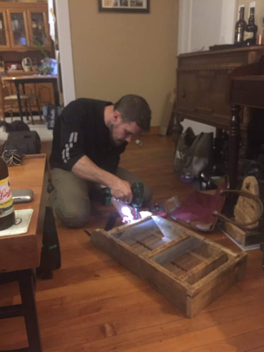 When you&#39;re #home &amp; not the #workshop so you settle in on the #floor next to the #wife &#39;s #purse  #etsychaching #woodworking #handmade #lol<br>http://pic.twitter.com/oyyJybVTAg