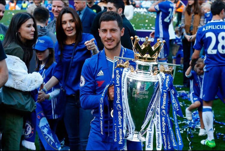 MARCA | Real Madrid&#39;s pursuit of #Chelsea duo Courtois and Eden Hazard has come to a halt. Courtois &amp; Hazard will remain in #Chelsea. #CFC<br>http://pic.twitter.com/0CCh6rMiAA