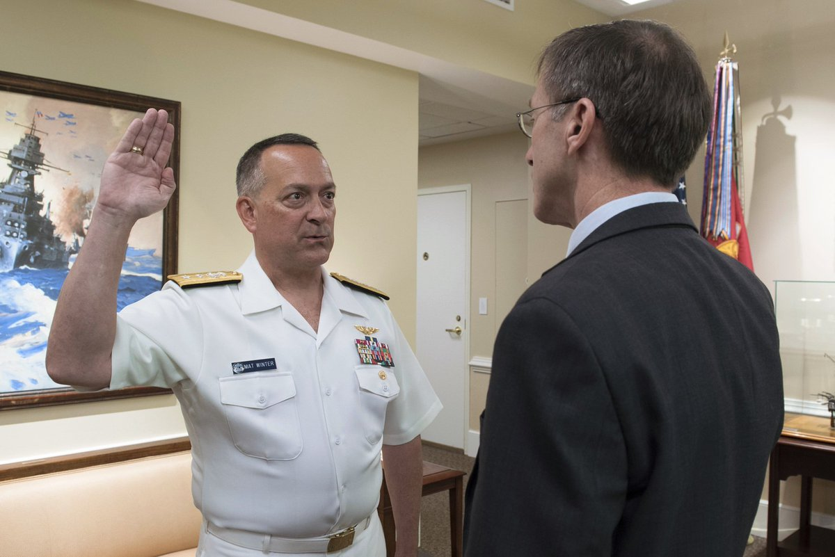 Mat #Winter promoted to vice admiral today, relieves retiring LtGen Chris Bogdan as head of F-35 #JSF program  http://www. defensenews.com/articles/naval -officer-takes-over-f-35-program-as-bogdan-retires &nbsp; … <br>http://pic.twitter.com/5hhdoFzN1z