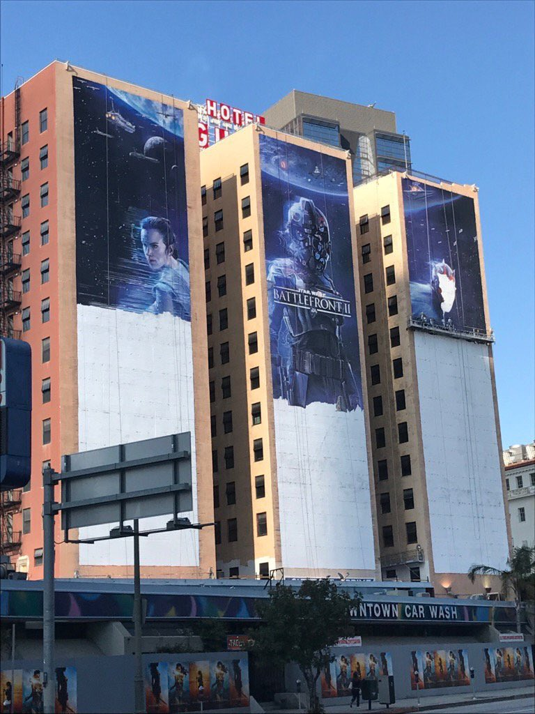 You know @E3 is abound when you see this happening on Fig Hotel #E32017 #Battlefront2 <br>http://pic.twitter.com/T61hh8v6Gz