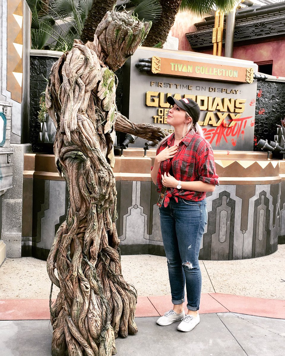 Get someone who looks at you the way I look at Groot. #heroup https://t.co/JUFAdVMZwO