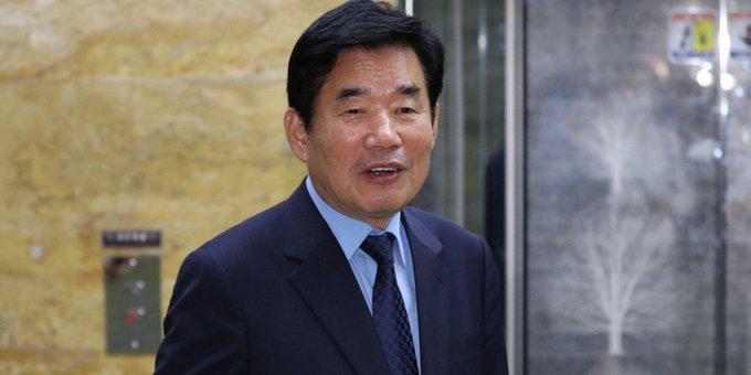 국정기획위원장을 맡고 있는 김진표 더불어민주당 의원이 '종교인 과세'를 2년 더 미루는 법을 준비하고 있다 https://t.co/hBXHGUzX48