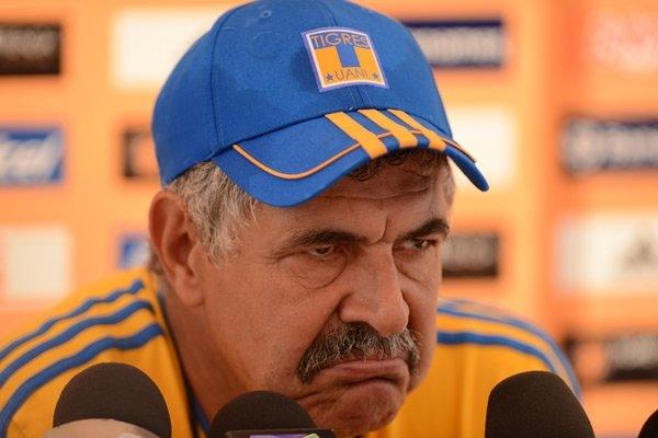 Tigres 0-1 Chivas con #GoLALAzo de Pulido y el ambiente de Monterrey, resumido en una sola cara del Tuca  https://t.co/zov8sRtEHz