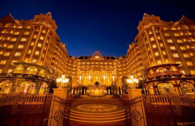 ディズニーホテルの当日の空室情報がウェブ上で確認できるようになりました!「今日の東京ディズニーランド」、「今日の東京ディズニーシー」ページ内の「ディズニーホテル当日予約」で確認できます♪ディズニーホテルで夢の続きを楽しんでみては☆ https://t.co/oGzgGlrZis
