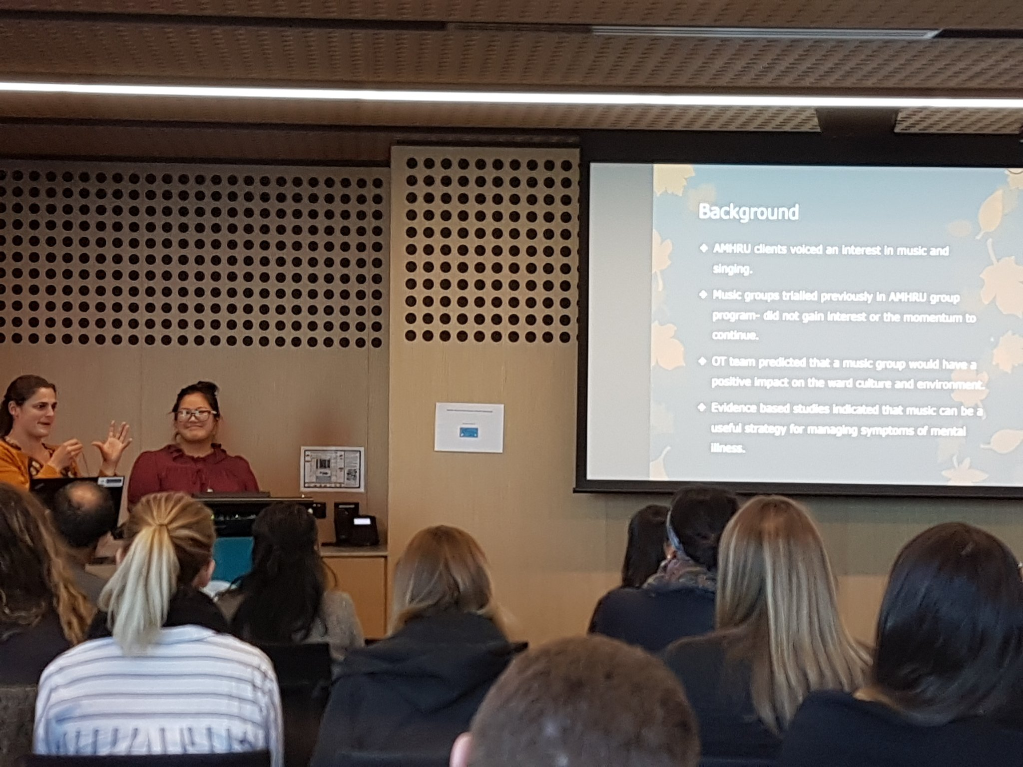 #mhotsymp2017 A consumer initiated music group on an adult MH unit ... excellent client centred work https://t.co/lPMkcdNe4L