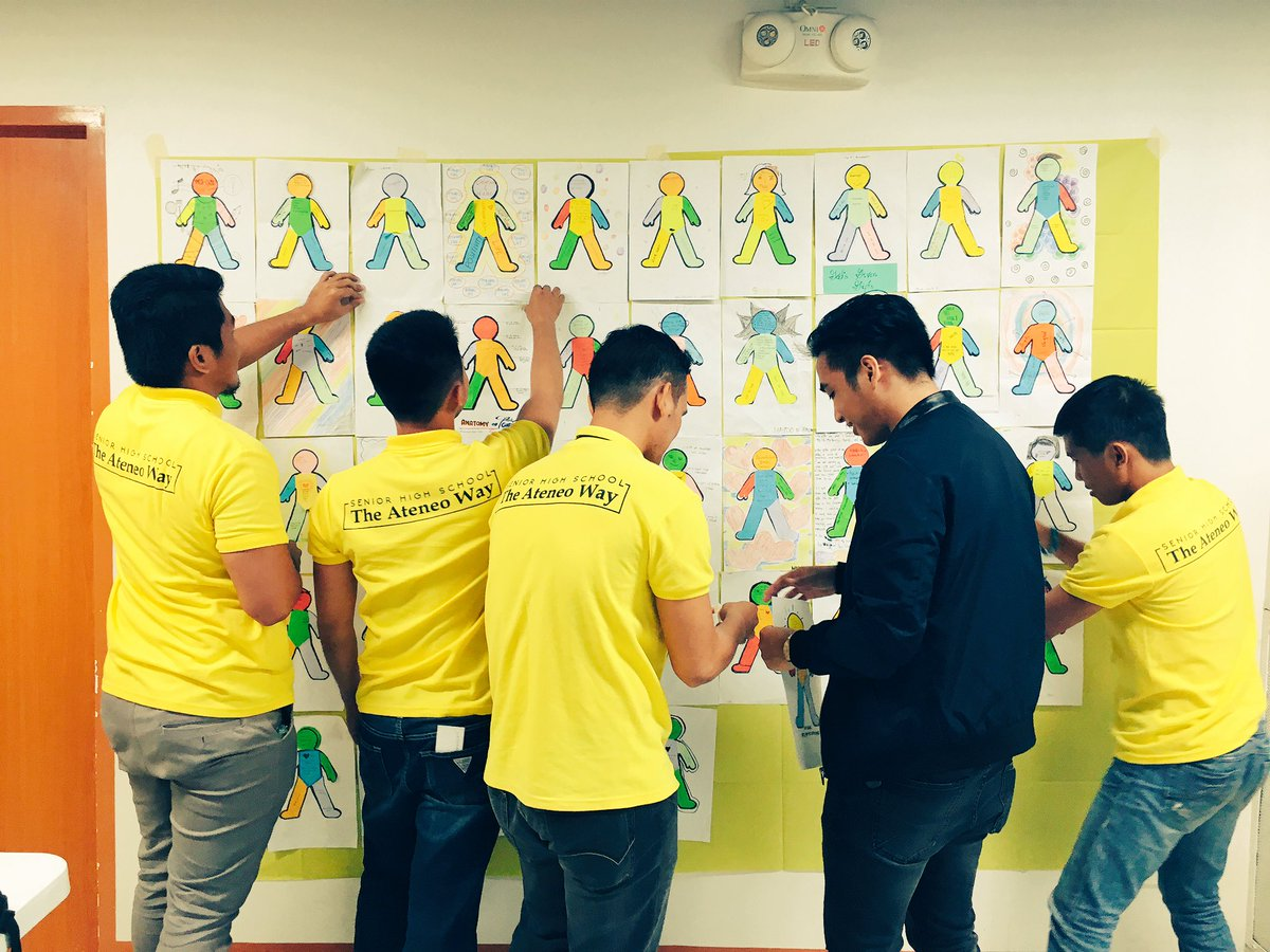 Matching gifts and the Vision/Mission of @ADDU_Official in a creative way. @Joeltaborasj @AdDUSeniorHigh @donriccardo64 #Formation <br>http://pic.twitter.com/4Tq1xeO3hH