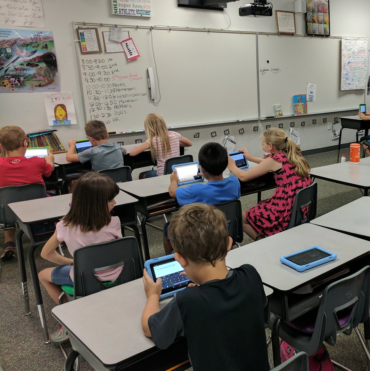 Here are future 3rd graders. Had them use @Seesaw, in the 15 minutes I had them, they took a selfie, captioned it and posted it. #easy <br>http://pic.twitter.com/53VBf4GhBD