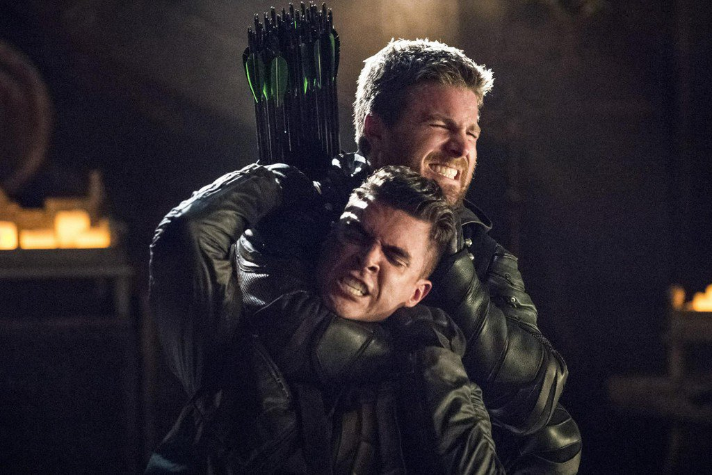 #Arrow's season finale ended in a bang, with ten lives hanging in the...