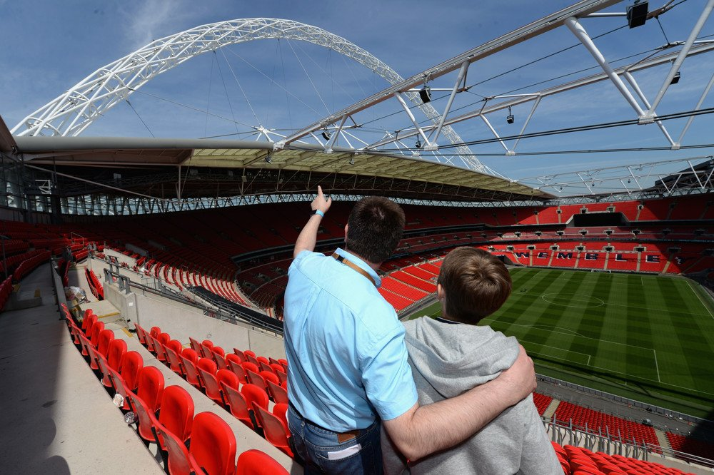Tomorrow is the FA Cup Final why not visit @wembleystadium first? Save 20%:  http:// ow.ly/VAOo30c2rPp  &nbsp;   #London #EmiratesFACup #CHETOT #ARSMNC<br>http://pic.twitter.com/R6Z2P35zNE