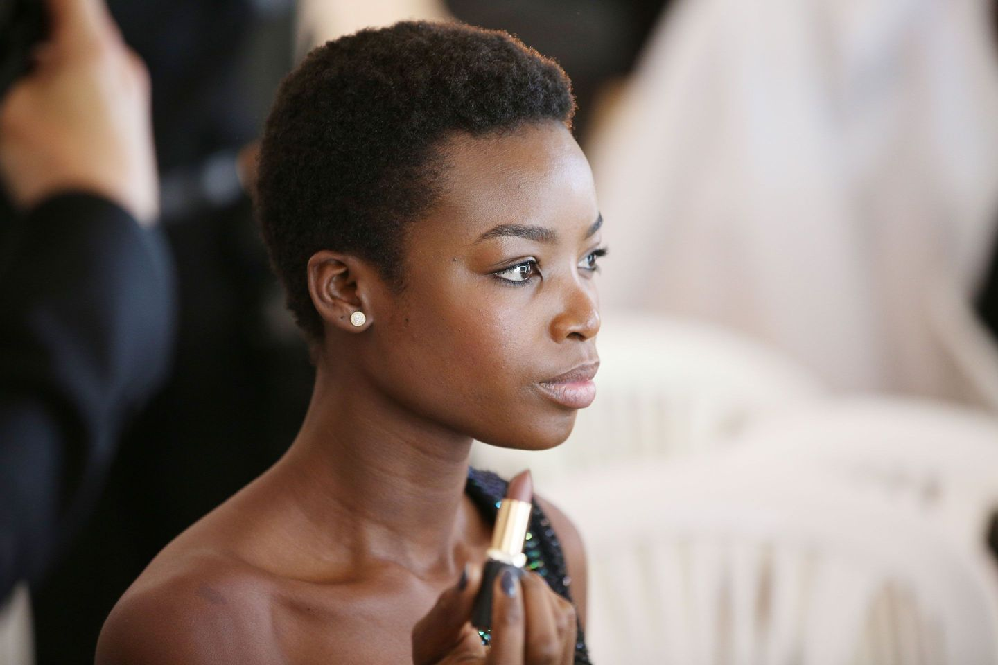 Model @IamMariaBorges talks beauty with Vogue: https://t.co/rKSiOecjIR https://t.co/tpQEg9h91K