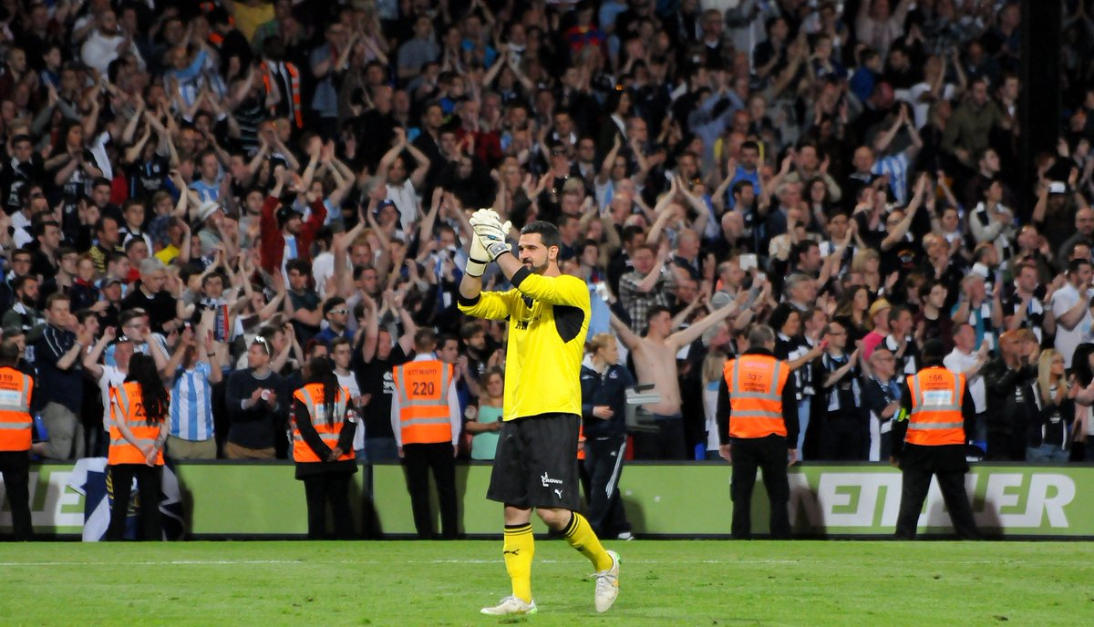 So 2 years ago to the day we celebrated at Selhurst Park with 2,000 Dundee fans. What great memories #cpfc #dfc #speroni<br>http://pic.twitter.com/jyvnHnhVBN