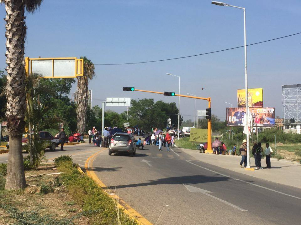 Sección 22 de la #CNTE instala retenes carreteros en #Oaxaca https://t...