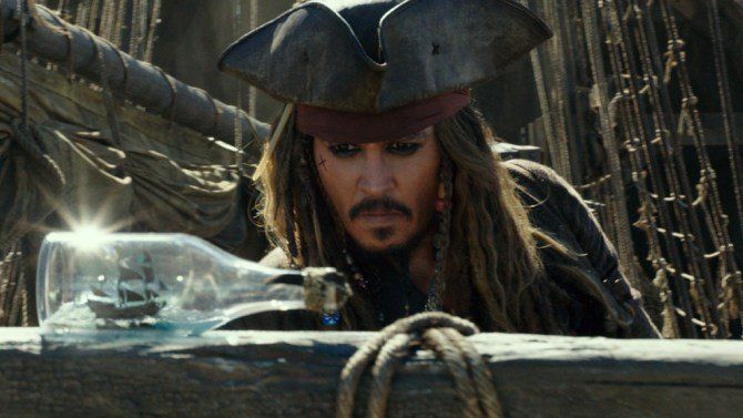 #PiratesOfTheCaribbean5 plunders $5.5 million at the Thursday box office  http:// bit.ly/2rX3SFp  &nbsp;  <br>http://pic.twitter.com/2cA6lnML25