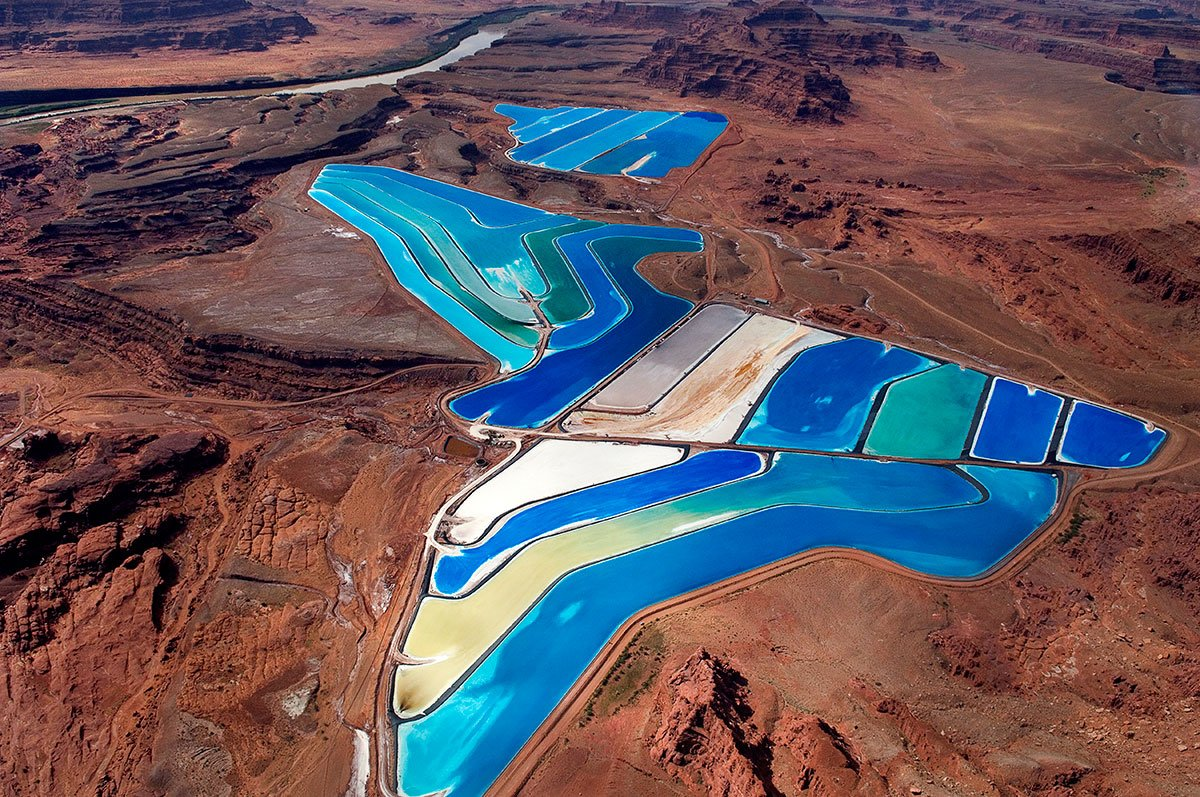 #CORiver is heart and soul of the West, but can it be saved after decades of #water mismanagement?  http:// on.natgeo.com/2q3Nd0E  &nbsp;  .<br>http://pic.twitter.com/D2OuuHJymo