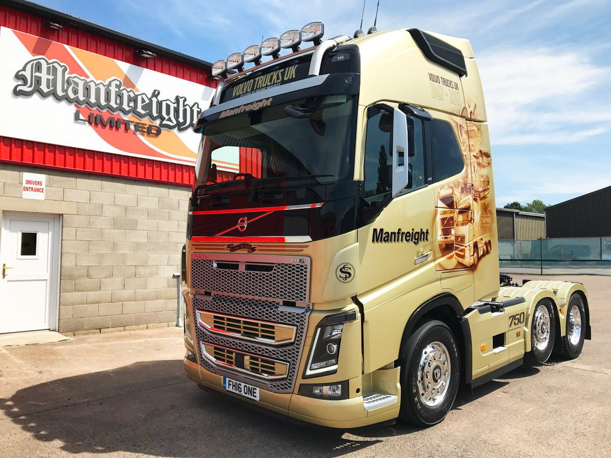 Today was the day that Manfreight took delivery of their Limited Edition, Gold Volvo FH16-750. #volvo #volvotrucks #fh16one #charity #truck <br>http://pic.twitter.com/72HxjmvtTm