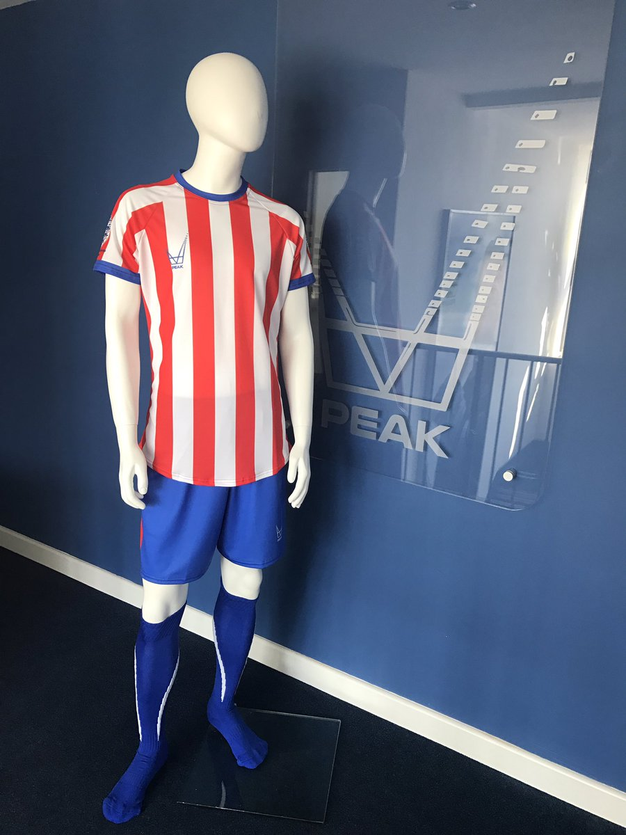 Take a look at our awesome #Atletico Match Strip made with our Kit-Creator! Design yours today  http://www. peakelite.co.uk/kit-creator  &nbsp;   #Custom #Sublimated<br>http://pic.twitter.com/1QaJe07Ij7