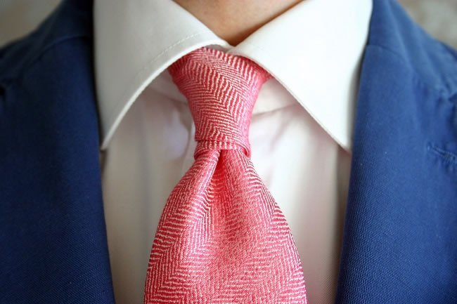 How to Tie the Only 3 Knots You Need to Know https://t.co/qY3wIgXNmi #Style https://t.co/0Kv6b5DIde