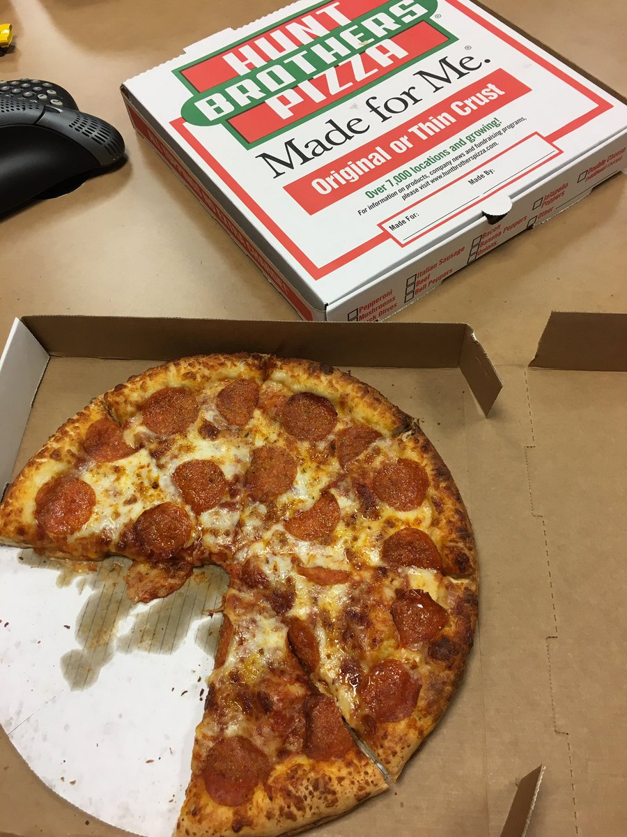 The only bad part about eating @hbpizza for lunch is waiting for it to cool off so you can start. 🔥#ServedHotnFresh