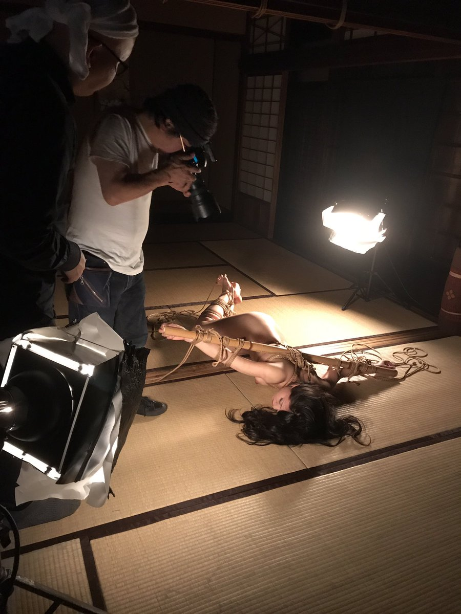 杉浦則夫SM緊縛写真集 緊縛写真家・杉浦則夫のクラウドファンディング。縛師・奈加あきらが蓬莱かすみに縄を舞わせた官能の世界を写真に切り取る。