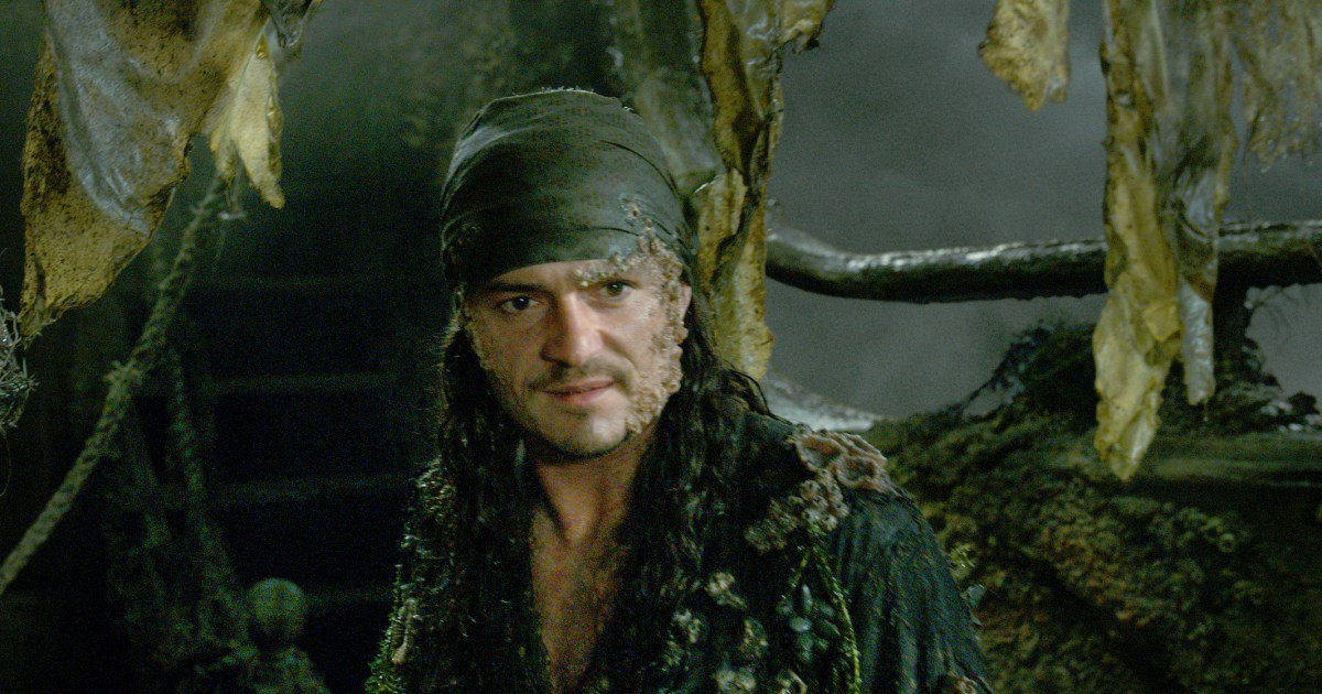 Here&#39;s the &#39;#PiratesOfTheCaribbean 5&#39; post-credits scene explained:  http:// share.ew.com/NDbhQx8  &nbsp;   #PiratesLife <br>http://pic.twitter.com/ydi4cZK80D