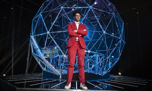 First look at The Crystal Maze 2017 reboot hosted by RichardAyoade https://t.co/0FVRdSQl5D