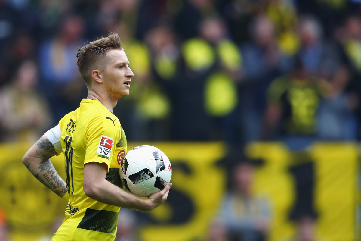 &quot;@woodyinho will start the game,&quot; confirms @BVB coach #Tuchel. #DFBPokal #Berlin2017 #SGEBVB<br>http://pic.twitter.com/LdUIwF1r0s