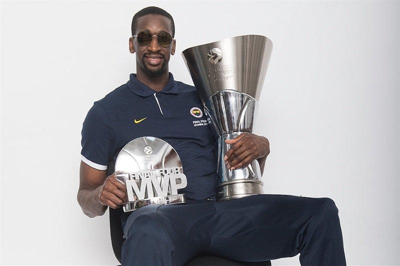 😎#MVP #F4Glory #Fener4Glory https://t.c...