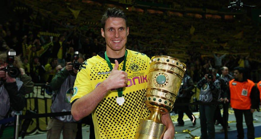 🏆🏆 2012: Das erste Double für Borussia #FlashbackFriday https://t.co/H...