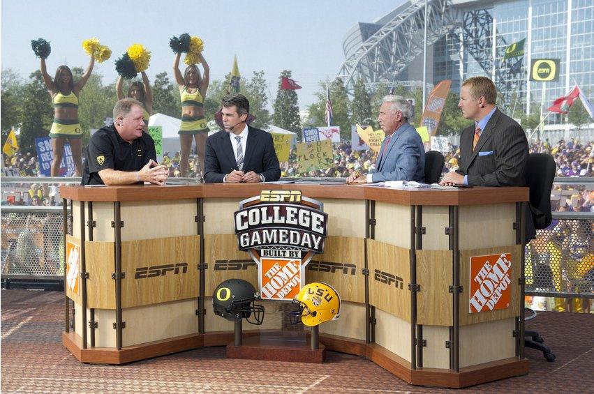 News: ESPN Hires Chip Kelly as a Studio Analyst https://t.co/lbnCktpB3...
