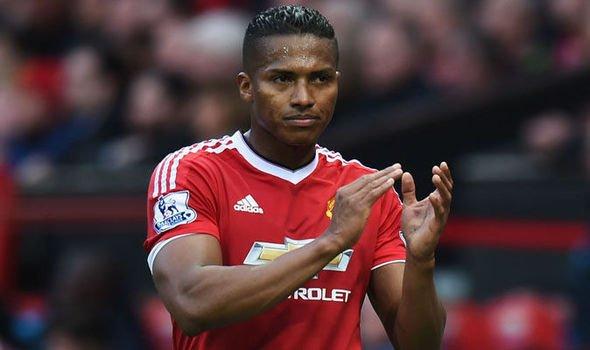Manchester United renovó contrato hasta el 2019 con el ecuatoriano Ant...