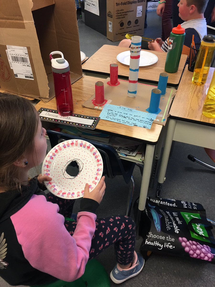 See how much fun you can have with some recycled items @GreenSceneFMPSD @ChristinaGFMPSD @MsBarringtonCG #innovate <br>http://pic.twitter.com/EhNF7ldmRi