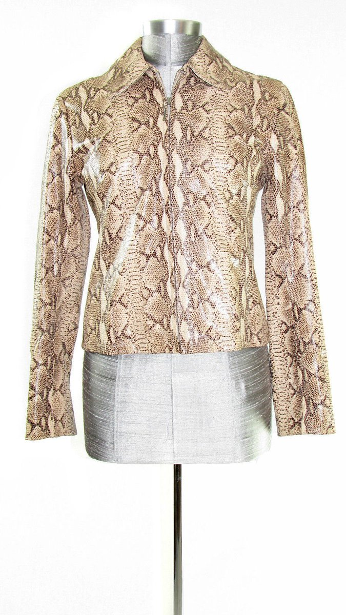 Ooh honey yes! This is for us Cheetah Gals!  http://www. ebay.com/sch/vintyfresh usa/m.html?_nkw=&amp;_armrs=1&amp;_ipg=&amp;_from= &nbsp; …  #leather #jacket #cheetah #vintage #retro #runway #women #clothes<br>http://pic.twitter.com/Hm5zyOUpKS