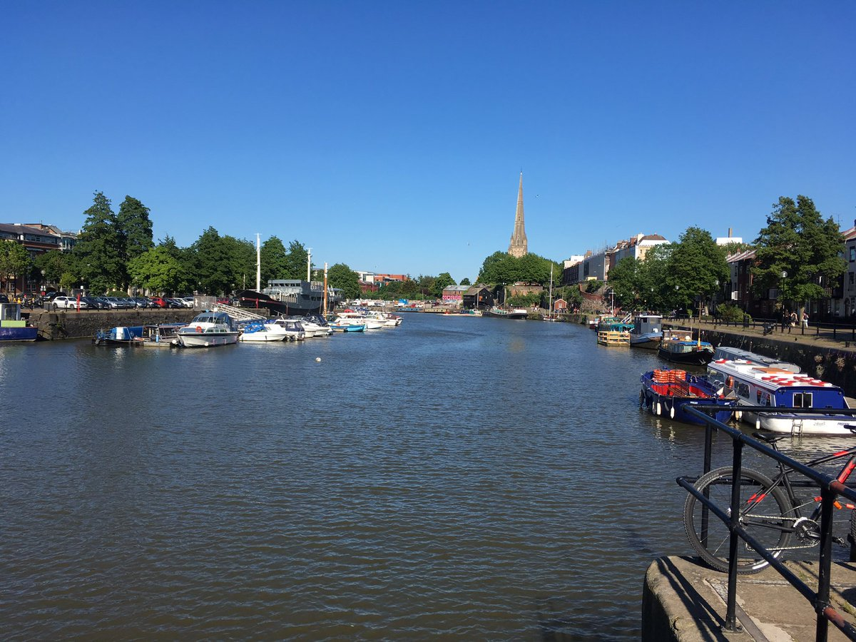 During the 18th C peak of the #Bristol trade industry the docks were so full of ships it was possible to cross the harbour over their decks. <br>http://pic.twitter.com/1Mwfo3jOXZ