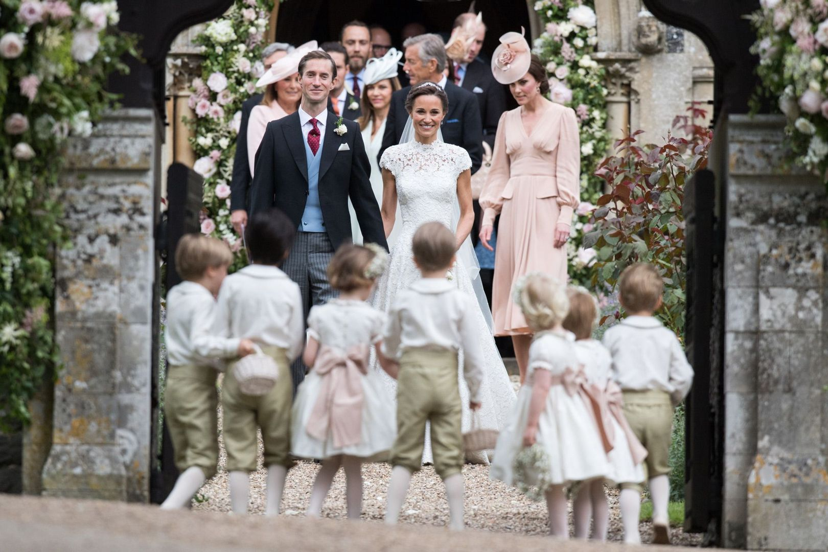 From the guests to the gown, all the wedding inspiration Pippa Middleton's big day: https://t.co/7UrCZC7Ing https://t.co/KL2No8iFvR