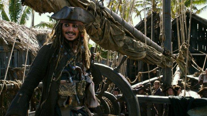 #PiratesOfTheCaribbean5 sets sail with $40 million worldwide  http:// bit.ly/2s42D6x  &nbsp;  <br>http://pic.twitter.com/bLSLlzJW4l