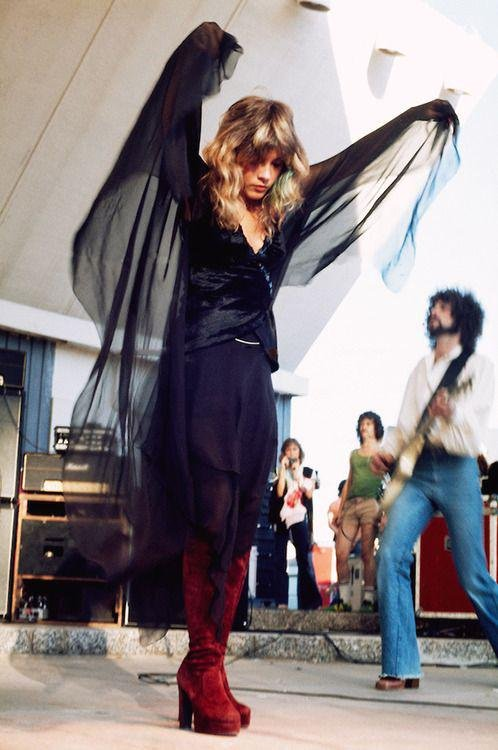 #StevieNicks in action with #FleetwoodMac - #70s <br>http://pic.twitter.com/CgAOhQtgix