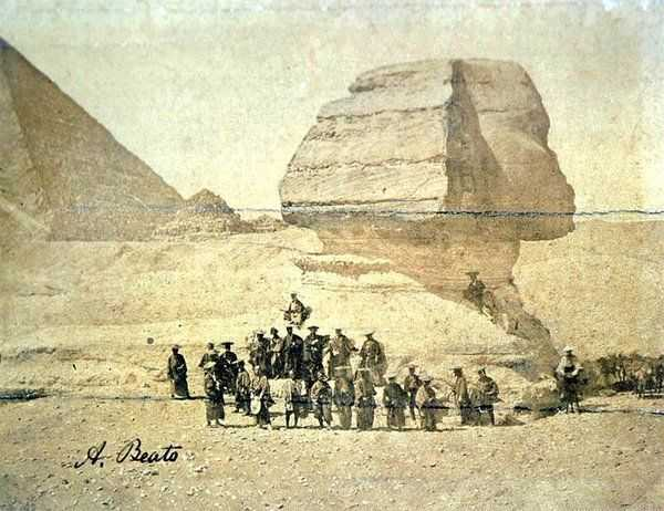 IMAGE: Japanese samurai visiting the Sphinx in 1863 https://t.co/ueZ3s3pcXE
