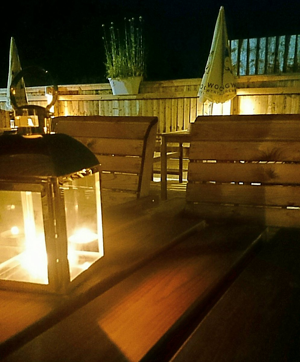Our new #pubgarden is #beautiful in these #balmy #summerevenings too! #AndoversfordOak #cotswoldspub #refurbished #romantic #summernights<br>http://pic.twitter.com/QZCj3vGNSH