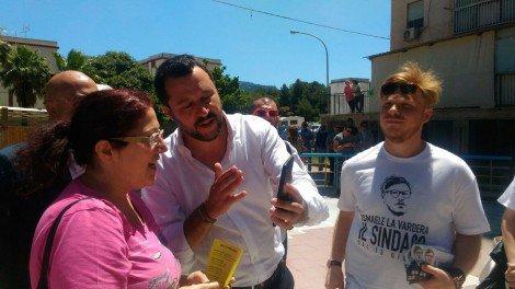 Matteo Salvini a passeggio con il 'Lapino' per le vie dello Zen di Palermo (FOTO E VIDEO) #blogsicilianotizie… https://t.co/dRCR0eE6oV