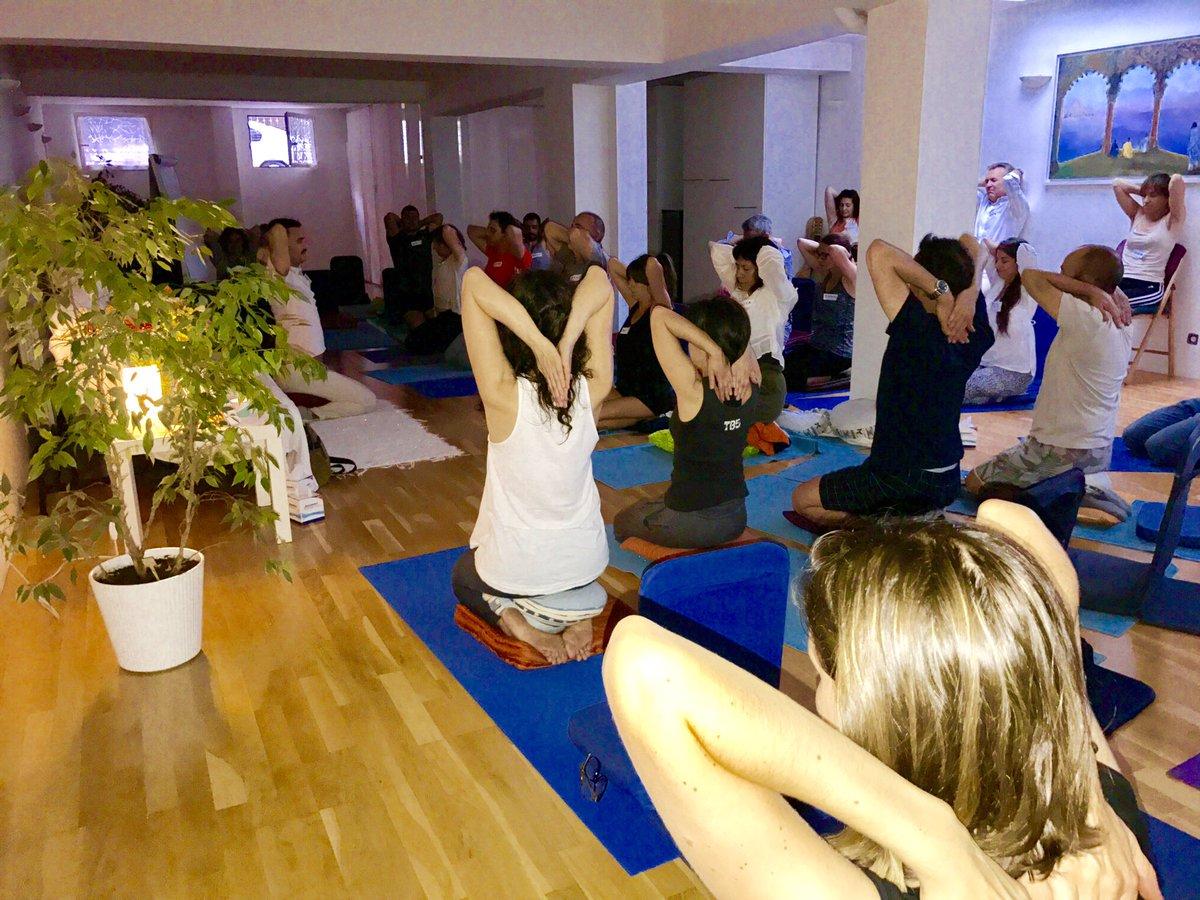 Happiness program in #Madrid @ArtofLiving centre<br>http://pic.twitter.com/GZMZQLLC7X