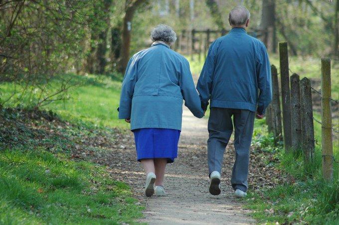 Mortes vinculadas a Alzheimer aumentaram 55% em 15 anos nos EUA https://t.co/4QSDLcvPhp #G1