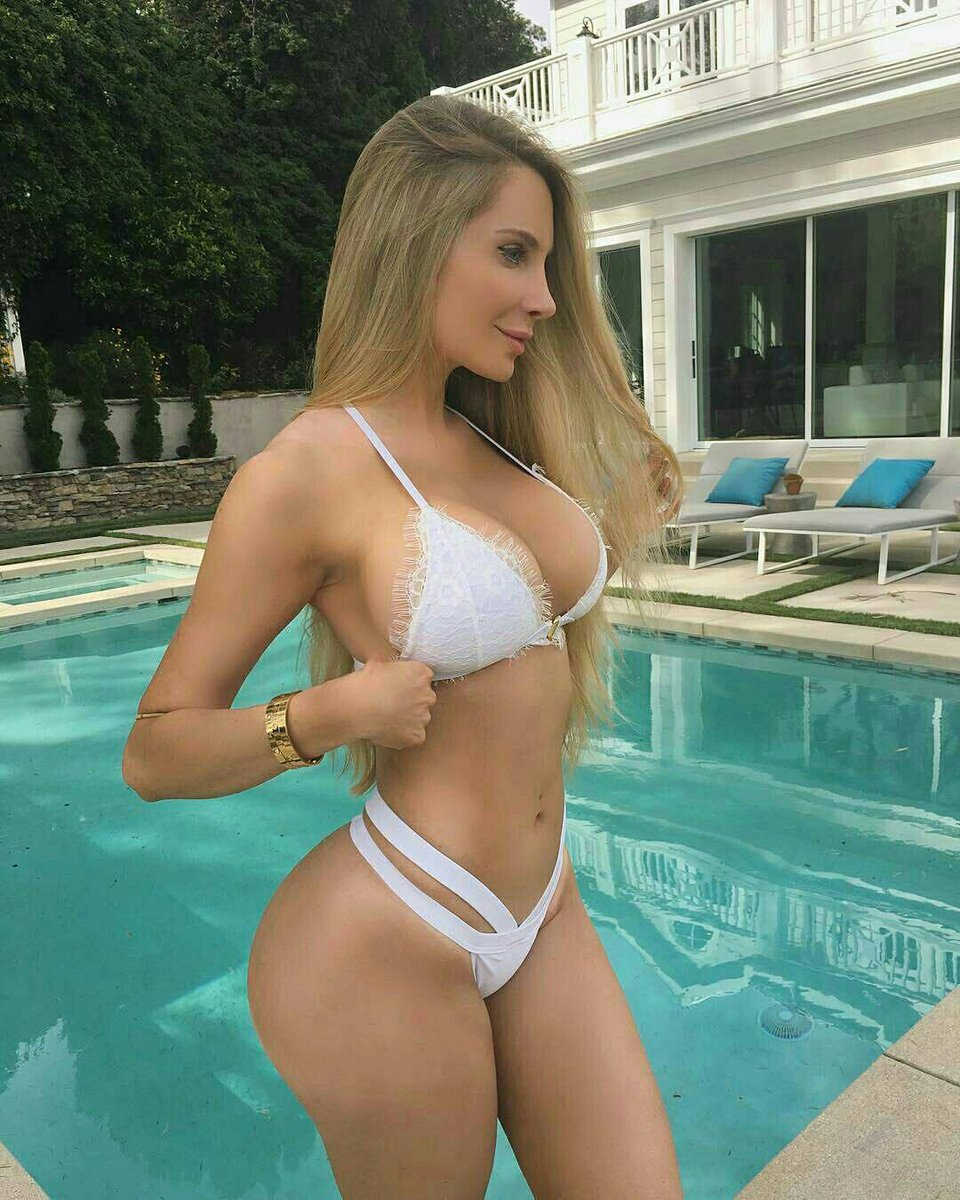 Amanda Lee Pictures
