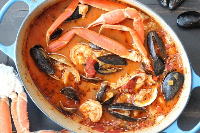 Classic Cioppino (San Francisco-Style Seafood Stew)