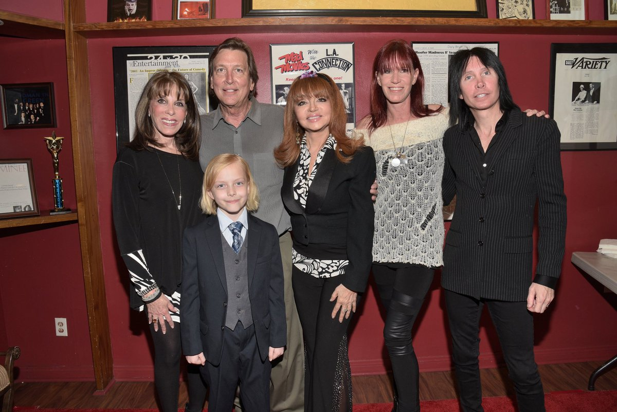 Laconnectioncomedy On Twitter Lac S 40th Anniversary Left To Right Katelinder C Ganiere Kentskov Judytenuta Jody Hamilton Carol Burnett S Daughter Lonny Paul Https T Co Xyih2axi86 Carol burnett has described her agony at the death of her daughter carrie from cancer a decade ago, in a bittersweet memoir about their relationship released on tuesday. judytenuta jody hamilton carol