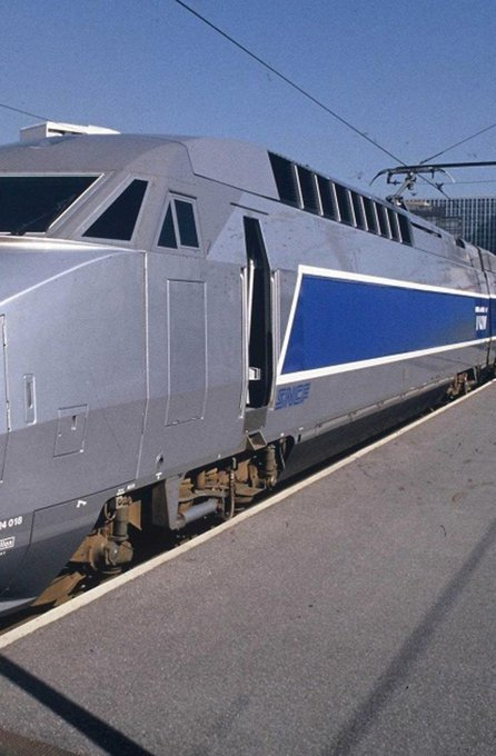 SNCF : le nouveau TGV va s'appeler 'in-OUI' https://t.co/QEdDCMfarM