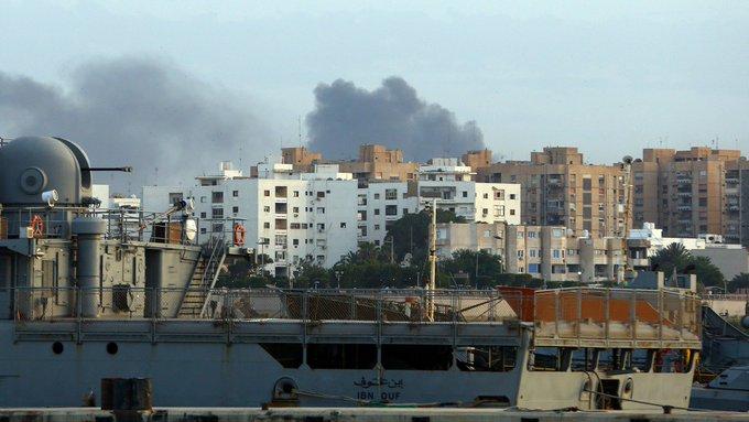 Libye: un groupe armé prend une prison où sont détenus d'anciens proches du régime de Kadhafi https://t.co/ApQLW0RzzM